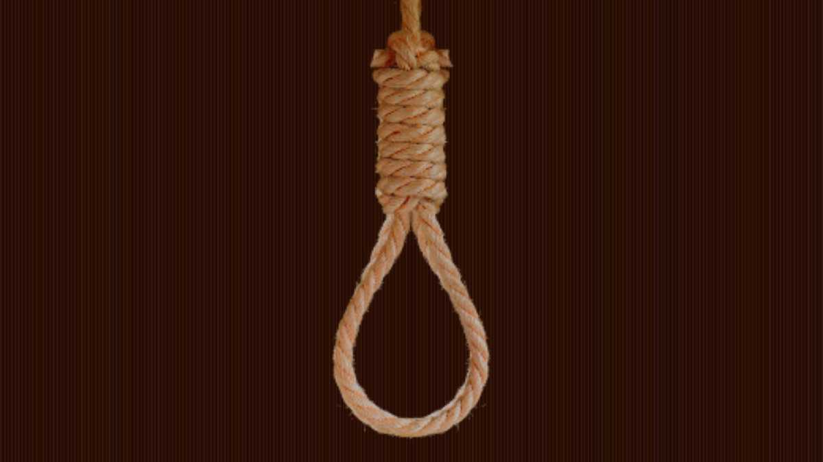 Woman found hanging to tree in Budgam